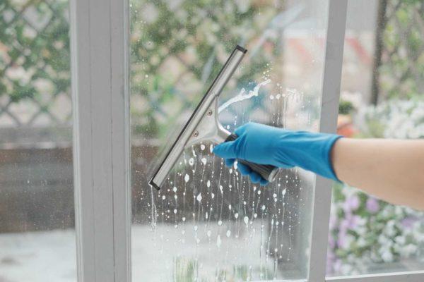 Инструкция и рекомендации по мытью окон